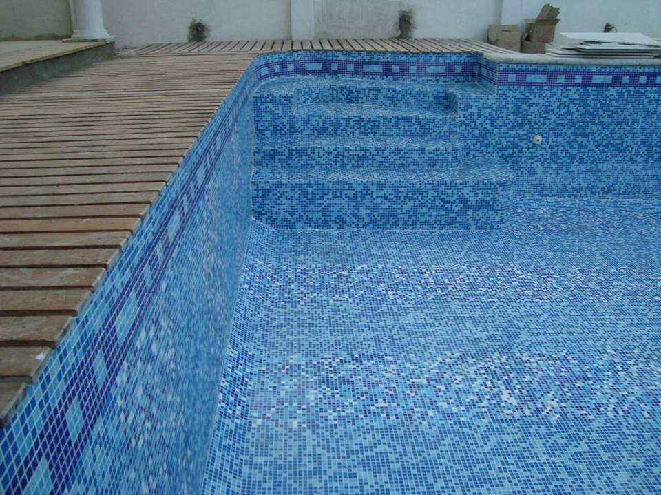 Swimming Pool Glass Mosaic Designs